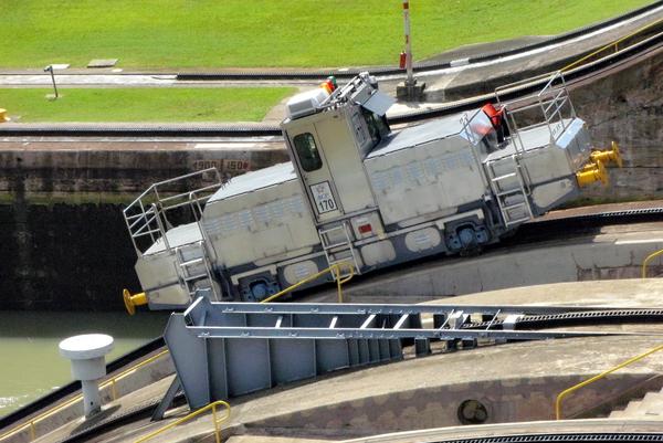 Locomotora del Canal